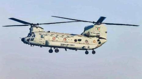 दुश्मन पर दोहरे वार के लिए ताकतवर हुई IAF, बेड़े में शामिल चिनूक हेलिकॉप्टर