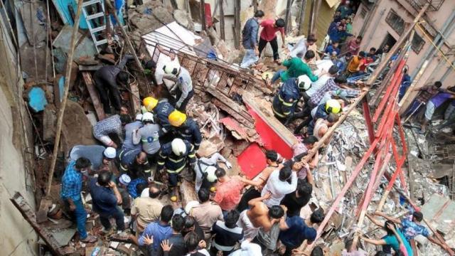 मुंबई के डोंगरी इलाके में 4 मंजिला इमारत गिरने से दो की मौत