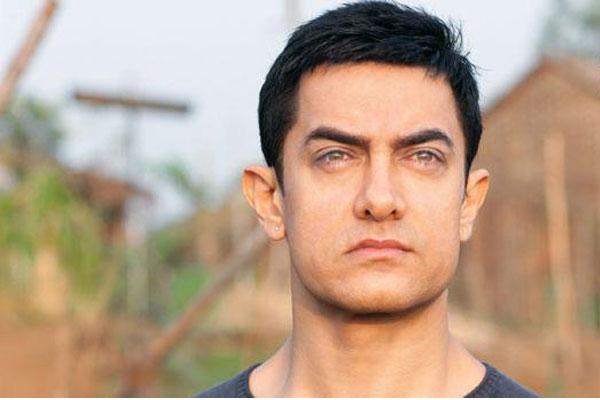 सनी के बचाव में आए आमिर खान