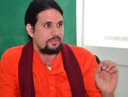 Anand Giri arrested after Mahant Narendra Giri names him