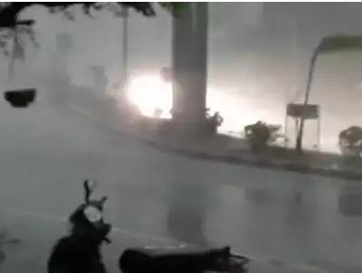 आंधी-तूफान से 31 लोगों की मौत