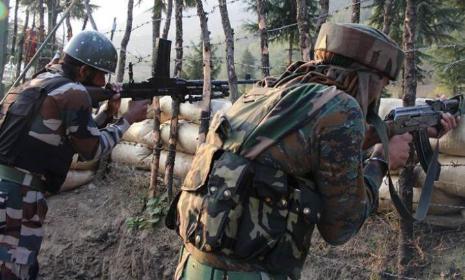 जम्मू कश्मीर के बारामूला में सुरक्षा बलों और आतंकवादियों के बीच मुठभेड़